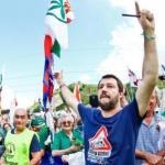 Lega a Pontida, Salvini: «Ruspa per il premier»