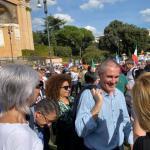 Grimoldi: Grazie a tutti per la magnifica accoglienza, una piazza come questa gli altri se la possono solo sognare. Grazie Matteo Salvini per la splendida giornata che ci hai regalato.